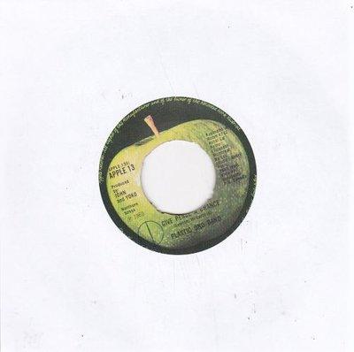 Plastic Ono Band (John Lennon) - Give peace a chance + Remember love (Vinylsingle)
