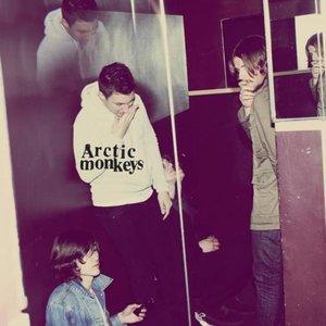 ARCTIC MONKEYS - HUMBUG (Vinyl LP)